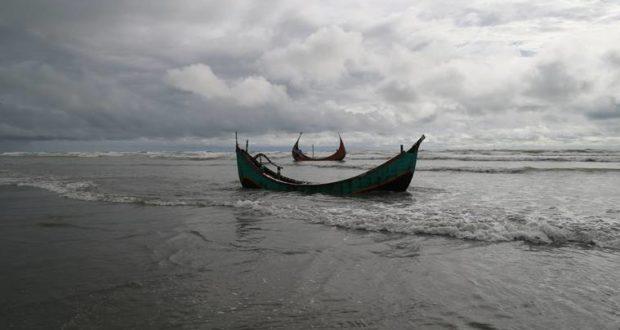Bupati Aceh Singkil Serahkan Santunan Asuransi Rp200 Juta Untuk Nelayan