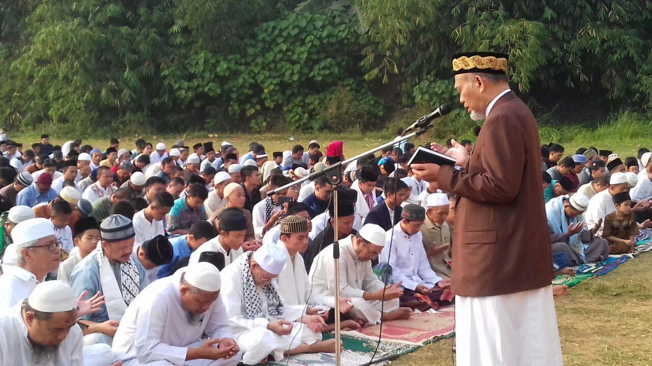 Abul Hidayat Ingatkan Persatuan pada Khutbah Idul Adha 1438 H