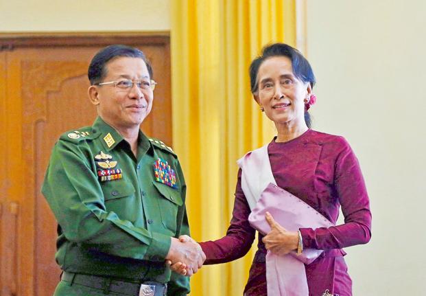 Penjagal Muslim Rohingya Bernama Jenderal Hlaing