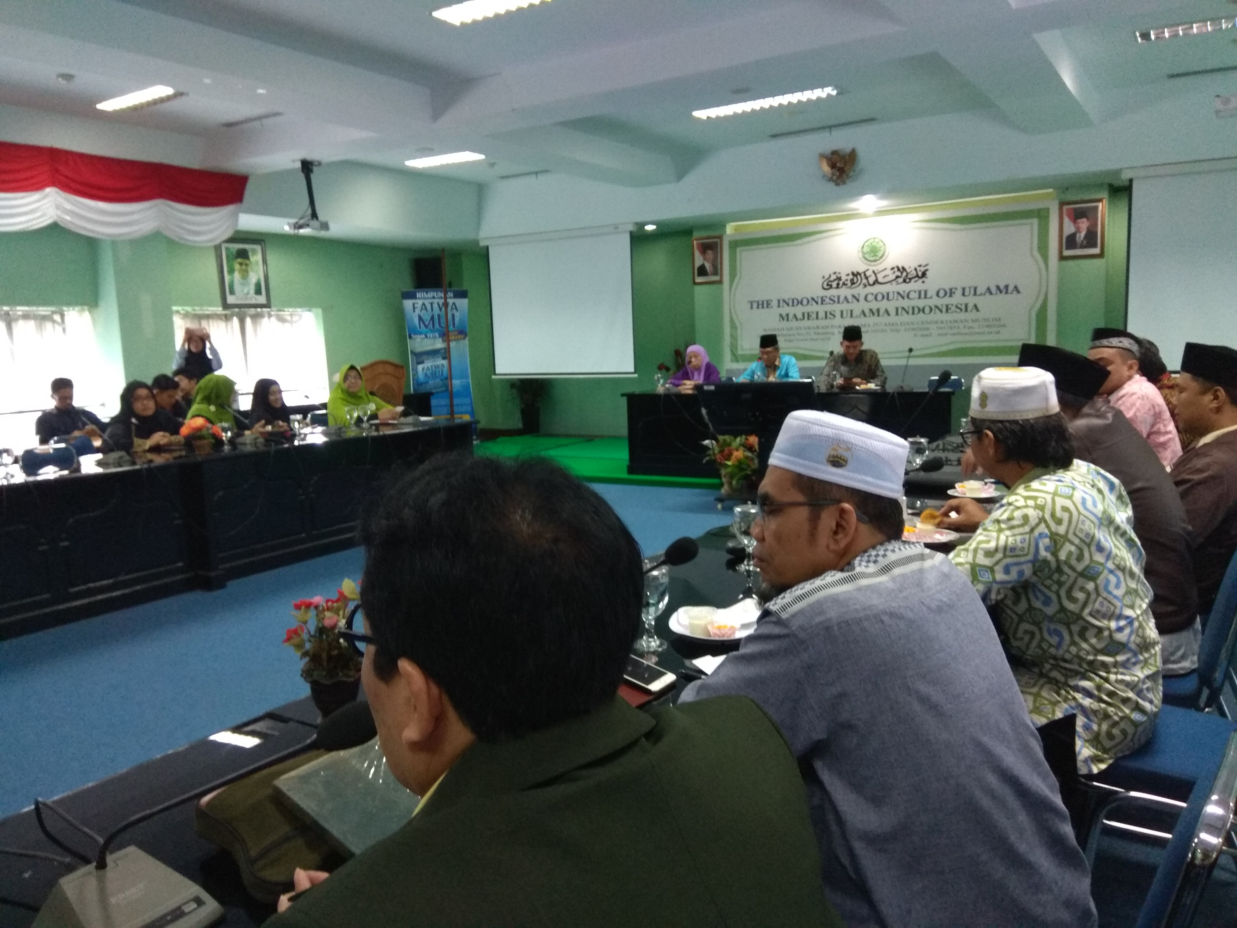 Komisi Fatwa MUI Bahas Fatwa Penanganan Korban Covid-19