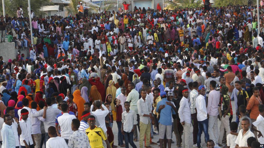 Puluhan Ribu Warga Somalia Protes Bom Mogadishu
