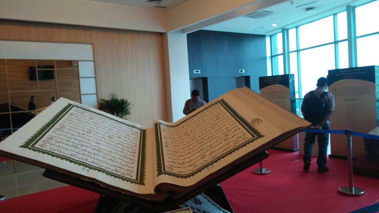 Al-Quran Terbesar di Indonesia Hadir Dalam Pameran Islamic Tourism Expo
