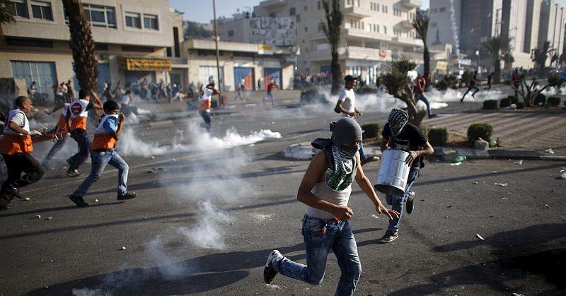 Beberapa Warga Palestina Tercekik dan Pingsan dalam Bentrokan di Hebron