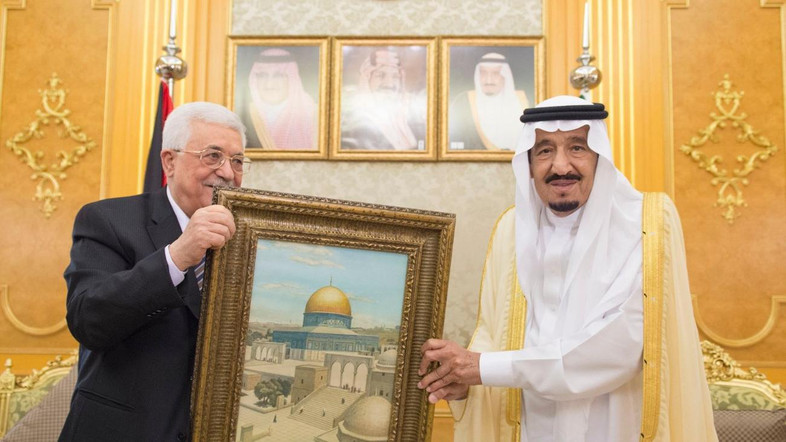 Abbas Temui Raja Salman