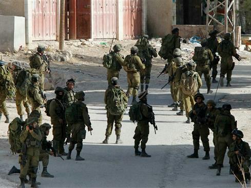 Pasukan Israel Serang Kamp Pengungsi Qalandia