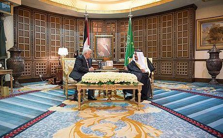 Pertama Setelah Rekonsiliasi, Presiden Palestina Temui Raja Saudi