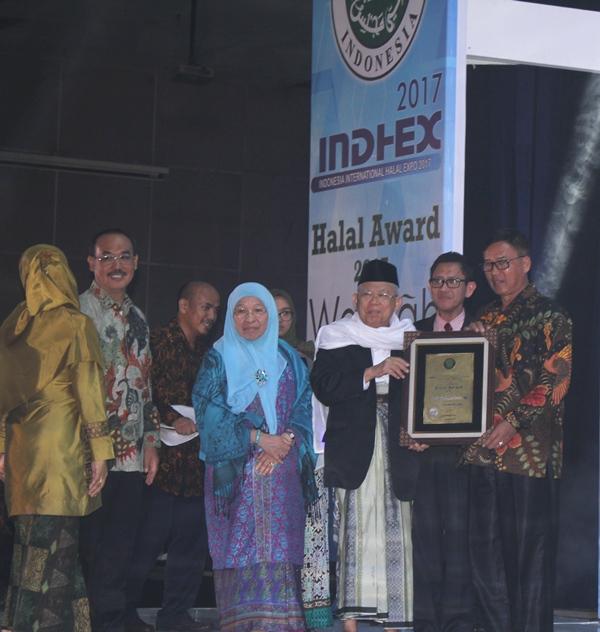 Prov. Bangka Belitung Raih Penghargaan Halal Award 2017