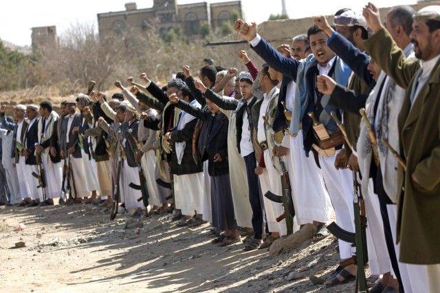 Pendukung Saleh dan Houthi Bentrok di Sanaa