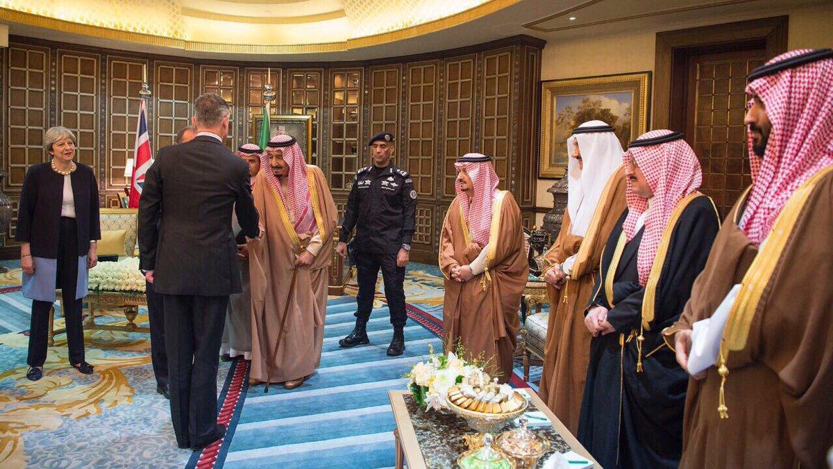 PM Inggris Theresa May tiba di Arab Saudi