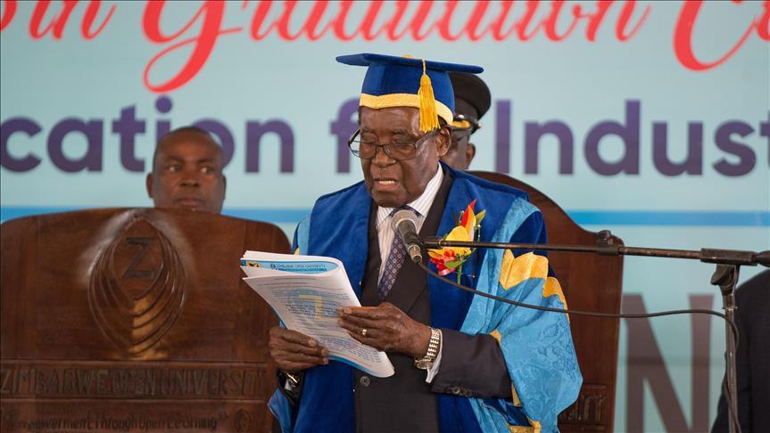 Presiden Zimbabwe Tampil di Depan Publik