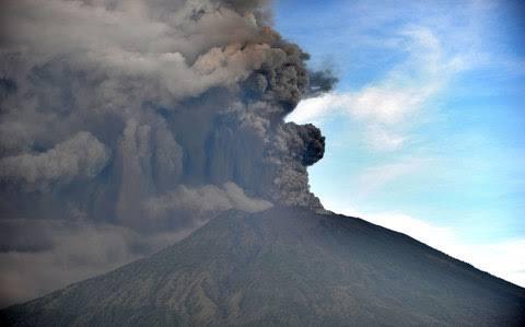 PVMBG: Aktivitas Gunung Agung Dekati Letusan Lebih Besar
