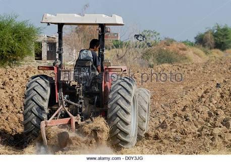 Israel Rampas Traktor Milik Petani Palestina