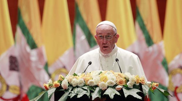 Paus Francis Berpidato di Myanmar Tanpa Sebut Rohingya