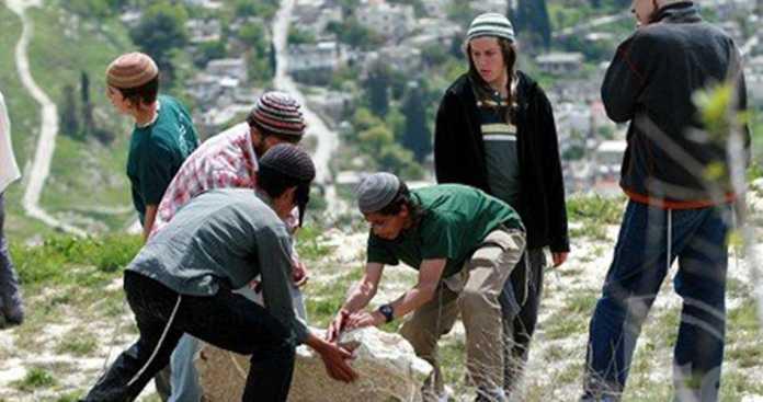 Pemukim Israel Serang Petani Palestina di Nablus
