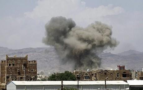 Serangan Udara Koalisi Saudi di Saada, 26 Tewas, Puluhan Lainnya Luka-luka