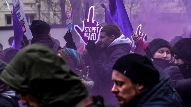 Ribuan Orang Demonstrasi di Hanover Menentang Partai Anti-Islam AfD