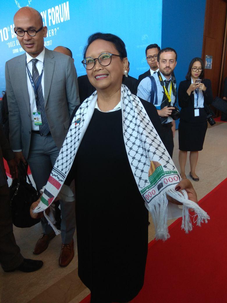 Di Depan Pemimpin Dunia, Menlu Indonesia Pakai Syal Palestina