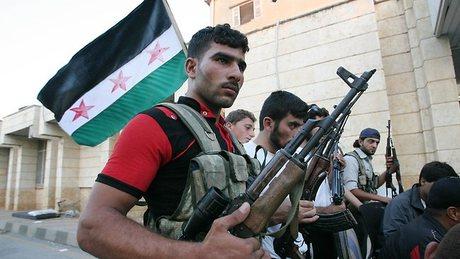 Inggris Hentikan Pendanaan untuk Oposisi Suriah