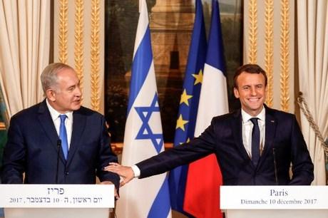 Bertemu Netanyahu, Macron Kecam Semua Serangan ke Israel