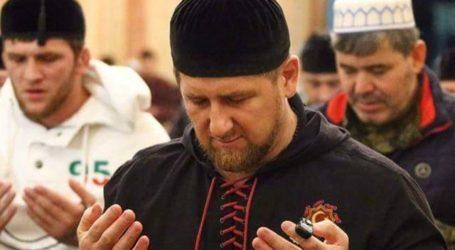Vladimir Putin Bela Presiden Chechnya dari Sanksi AS