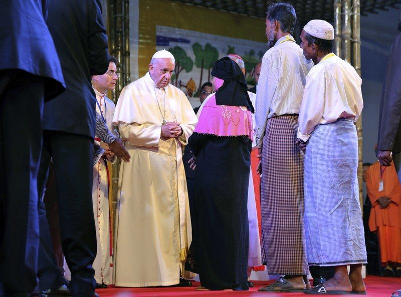 Sebut Kata Rohingya, Medsos Myanmar Hujat Paus Francis
