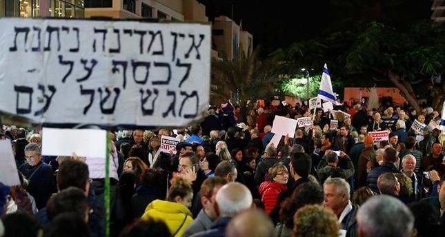 Ribuan Warga Israel Demontrasi Memprotes Korupsi Netanyahu