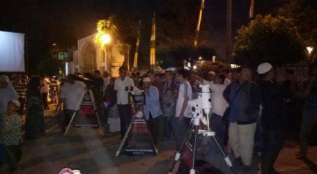 Ribuan Masyarakat Berbondong ke Kanwil Kemenag Aceh Saksikan Gerhana Bulan