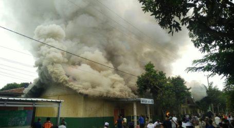 Ruang Kuliah dan Lab di Ponpes Al-Fatah Muhajirun Lampung Terbakar