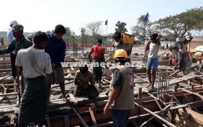 Tahap Pengecoran Tie Beam Pembangunan RS Indonesia di Rakhine