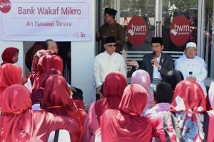 Presiden Luncurkan Bank Wakaf Mikro