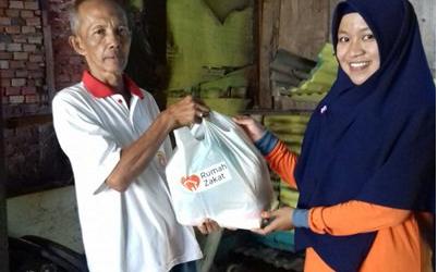 RZ Bantu Korban Kebakaran di Palembang