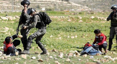 Pasukan Israel Serang Mahasiswa Saat Demonstrasi