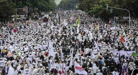 Ribuan Umat Islam Datangi Gedung Bareskrim