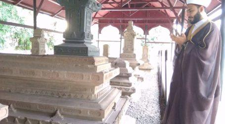 Ulama Palestina Ziarahi Makam Teungku Syah Kuala