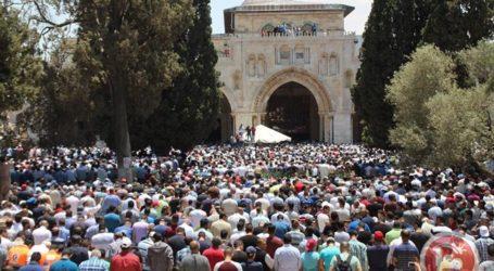 Ratusan Ribu Jamaah Hadiri Shalat Jumat Pertama Ramadhan di Al-Aqsha