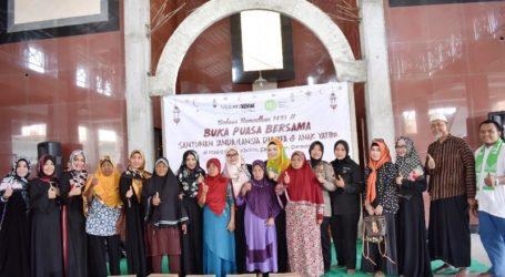 Hijabers Mom Community Semarang Semarakkan Kampung Ramadhan IZI