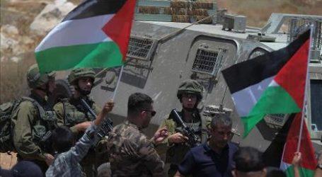 Israel Tahan 13 Warga Palestina