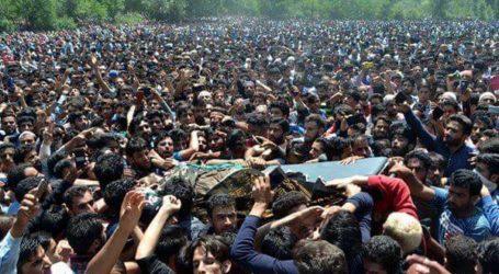 Puluhan Ribu Pelayat Hadiri Pemakaman Komandan LeT Kashmir