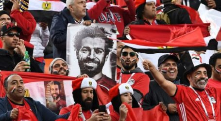 Mohamed Salah Saksikan Timnya Kalah 0-1 Dari Bangku Cadangan