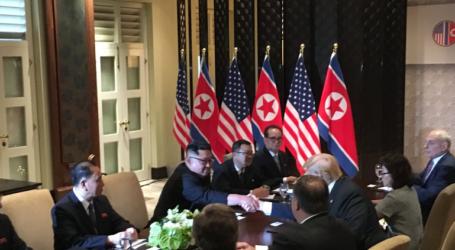 Trump dan Kim Adakan Pertemuan Bersejarah di Singapura
