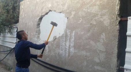 Israel Paksa Warga Yerusalem Hancurkan Rumahnya Sendiri