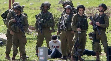Israel Tangkap 11 Warga Palestina, Termasuk Wartawan di Tepi Barat