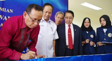 Menristekdikti Resmikan Laboratorium Pasar Keuangan Pertama di Indonesia