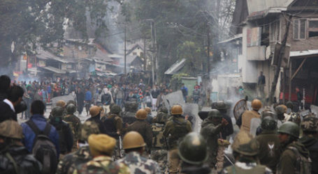 Bentrok dengan Pemuda, 20 Sipil Kashmir Luka-Luka