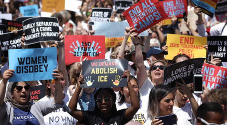 Warga AS Adakan Unjuk Rasa Terbesar Lawan Kebijakan Imigrasi Trump