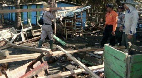 Gelombang Pasang Hantam Pantai Selatan Cilacap, Tim UAR Terjun ke Lokasi