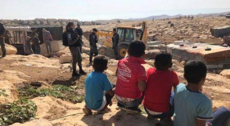 Israel Hancurkan Rumah dan Peternakan Desa Badui