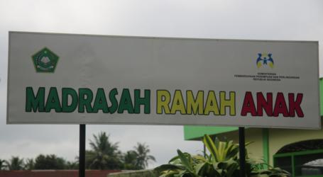 Kementerian PPA Beri Penghargaan 'Sekolah Ramah Anak' kepada Tujuh Madrasah