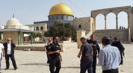 Tiga Anggota Knesset Israel Serbu Masjid Al-Aqsha