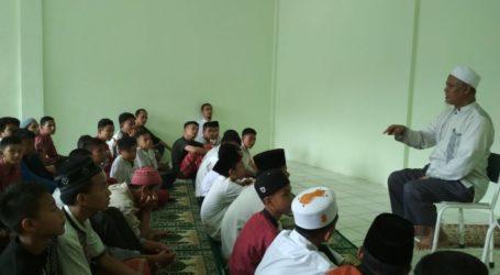KH Umar Rasyid: Jadilah Ulama Besar yang Hafidz Quran